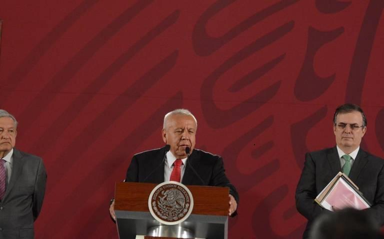 Entre 400 y 500 agentes migratorios son investigados de corrupción