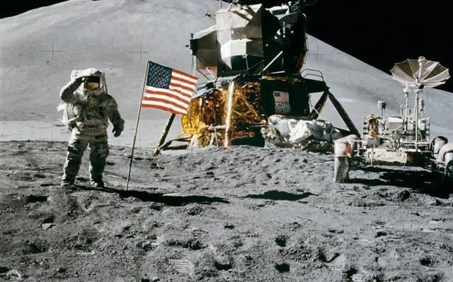 ¿Dónde está la bandera que Estados Unidos clavó en la luna?