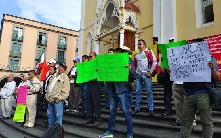 Protesta nuevamente ex policías; demanda liquidación justa