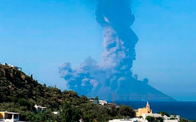 Turista muere tras explosión de volcán Estrómboli