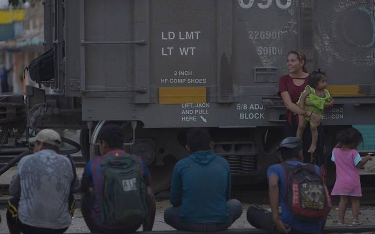 Rescatan a 53 niños migrantes hacinados en un autobús de turismo