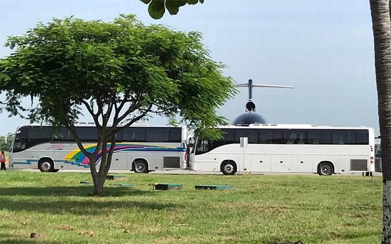 Deportan a 100 haitianos desde Tapachula