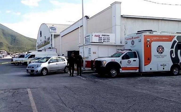 Al menos 200 migrantes se amotinan e intentan huir del INM en Nuevo León