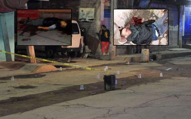 Plomean a dos jóvenes en calles de Neza; se presume ajuste de cuentas