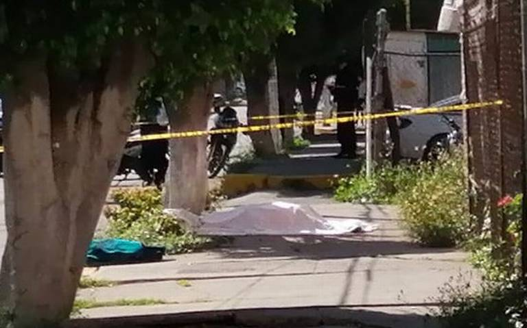 Muere al caer de la azotea de un edificio en Neza