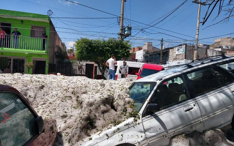 Inédita granizada de casi dos metros deja 457 casas afectadas