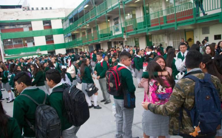 Concluye ciclo escolar, hoy más de 900 mil estudiantes salen de vacaciones