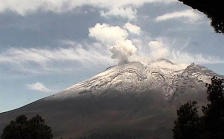 Con 14 explosiones, el Popocatépetl intensifica su actividad