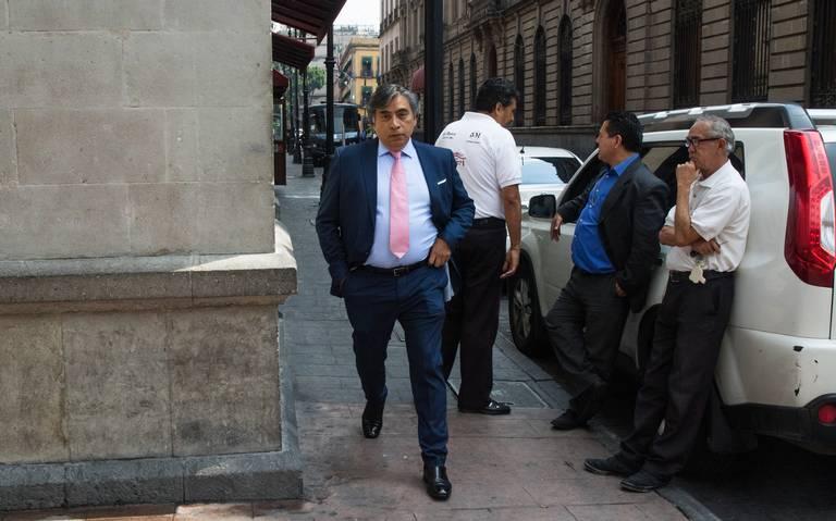 En suspenso, baja en la tasa de interés previo a junta de Banxico