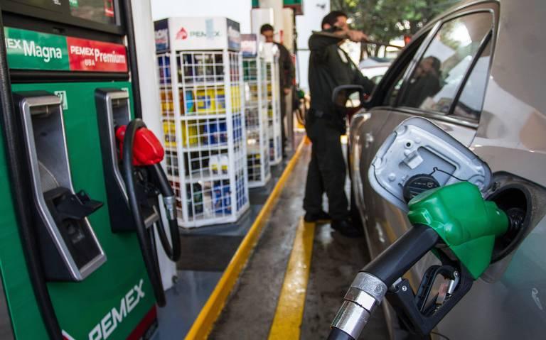 Bajan los precios de la gasolina y del gas