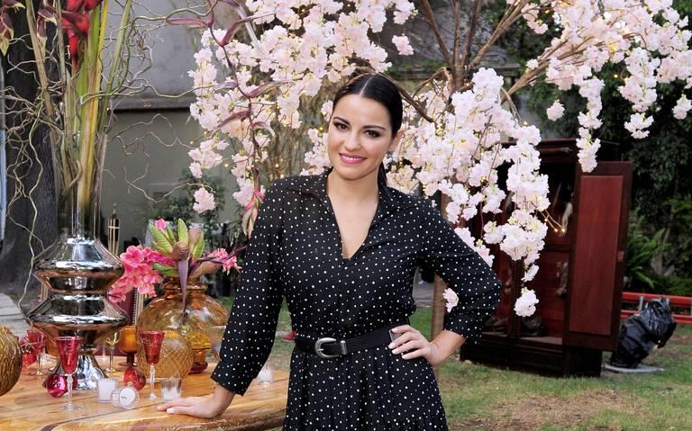 Maite Perroni se estrena como productora en cinta Doblemente embarazada
