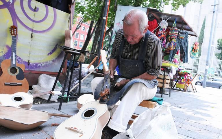 Mercado de San Juan libra la demolición, artesanos regresan en diciembre