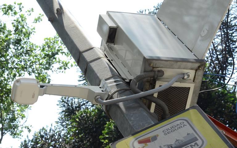 Van Telmex y seis empresas más por renovación del C5