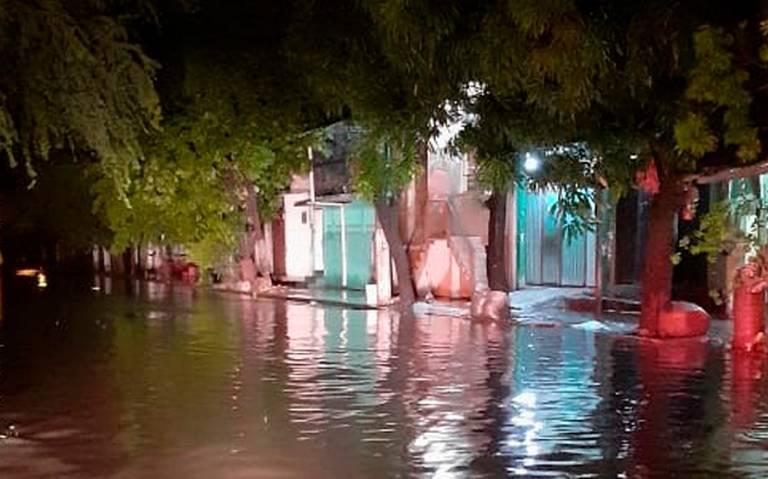 Daños leves por fuerte lluvia en Acapulco