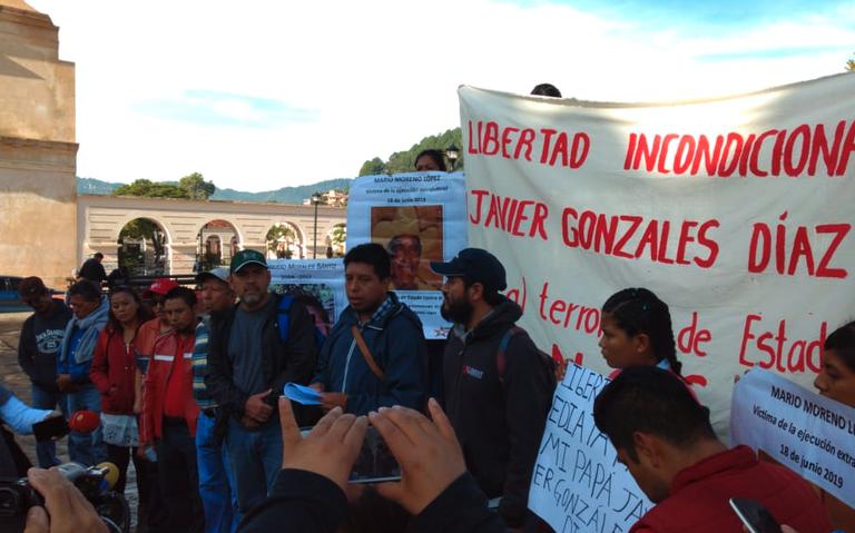 Parte la caravana de San Cristóbal de las Casas a Ocosingo para liberar a cinco policías estatales