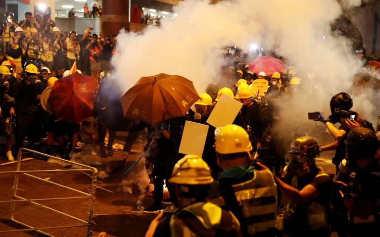 Ejército chino amenaza a protestantes en Hong Kong con intimidante video