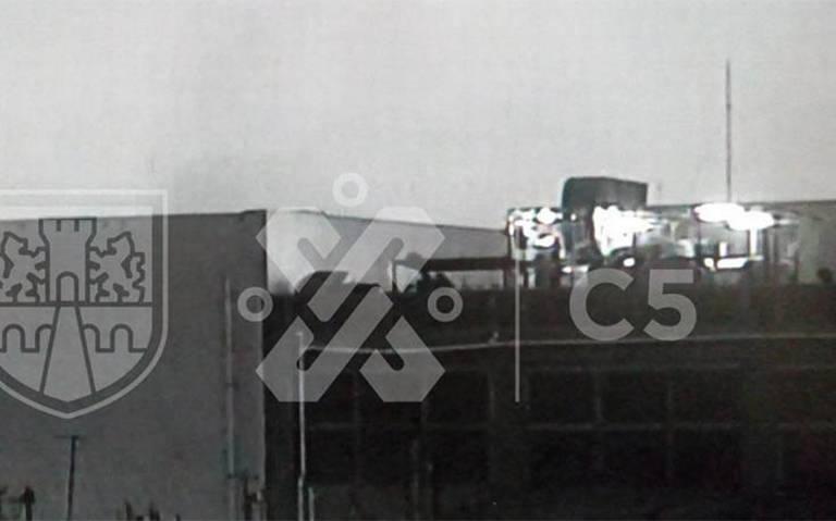 Desalojan plaza comercial por incendio en la Guerrero