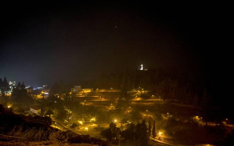 Incendio sin control en Islas Canarias golpea zonas naturales protegidas
