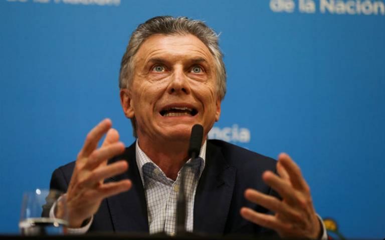 Fitch hunde la calificación crediticia de Argentina
