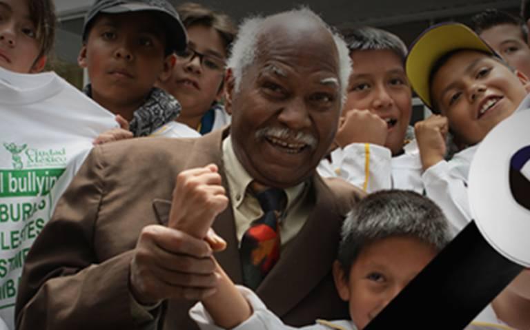 """Fallece a los 79 años, el boxeador José """"Mantequilla"""" Nápoles"""