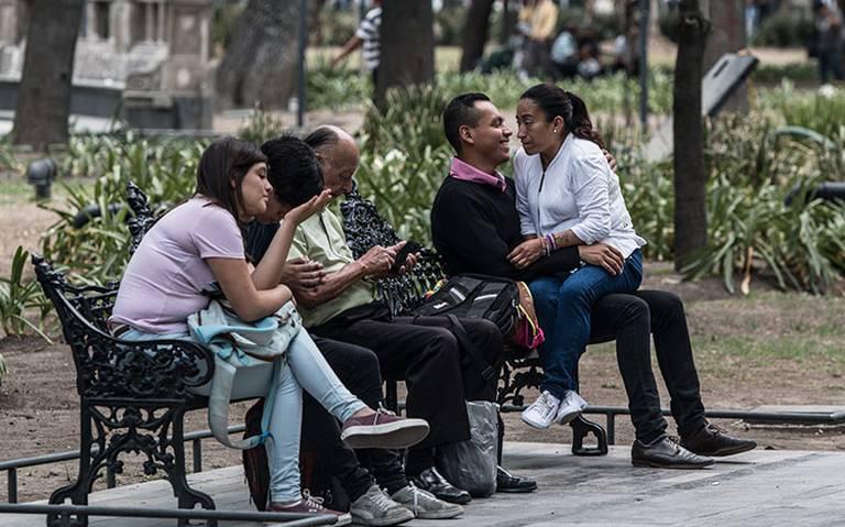 El pueblo es feliz, feliz, como lo era hace un año, según Inegi