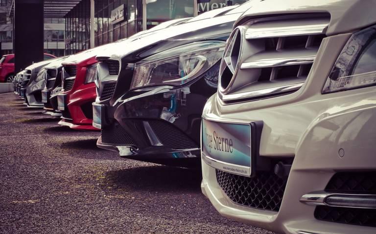 Disminuye venta de autos por incertidumbre política