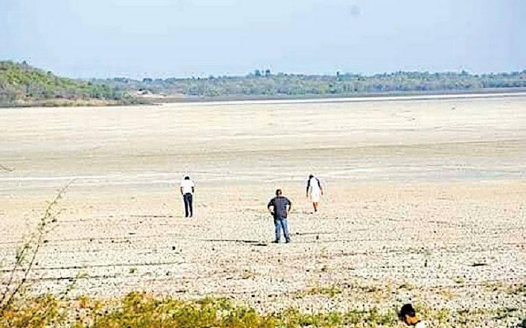 Por estiaje, Laguna Marland está seca