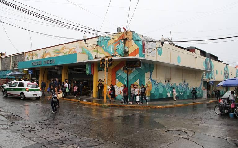 Adeudan tianguistas y locatarios $5 millones de cuotas al Ayuntamiento de Xalapa