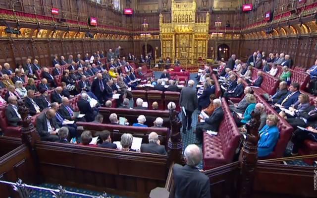 Cámara alta del parlamento aprueba ley contra un Brexit sin acuerdo