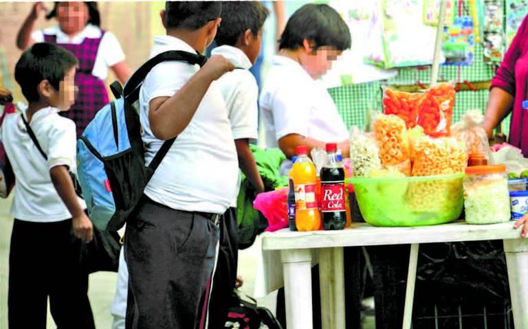 """AMLO asegura """"campaña intensa"""" para promover buena alimentación"""