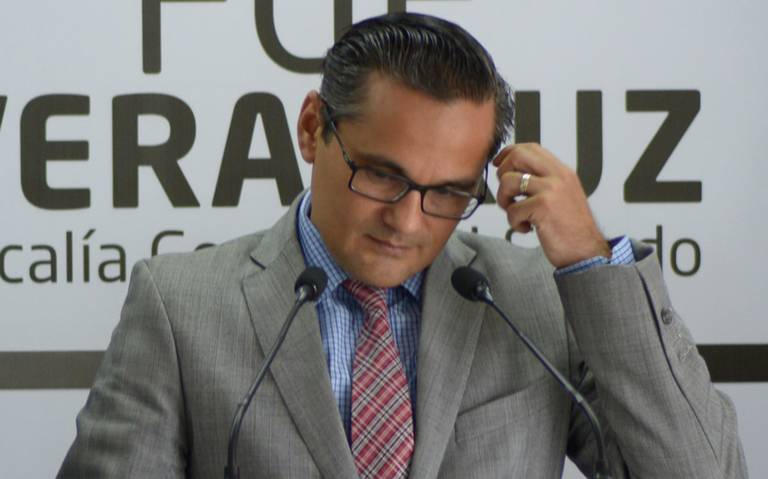 Suspensión de fiscal Jorge Winckler es una cortina de humo, dice el PRD