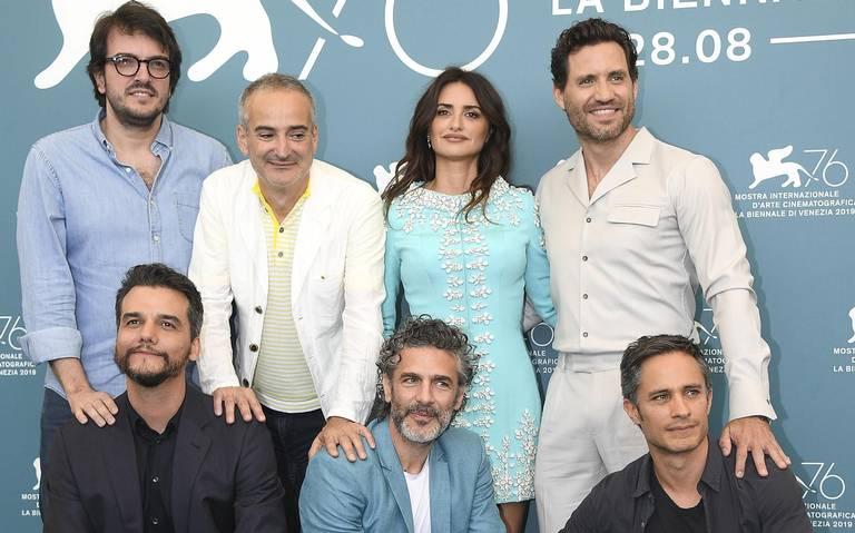 """Gael García Bernal y los """"espías"""" latinos intervienen en Venecia"""