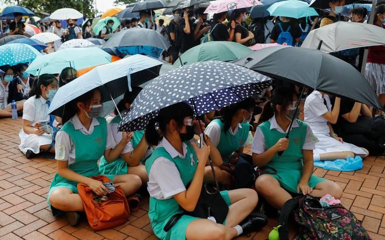 Estudiantes Hongkoneses regresan a clases a finales de septiembre