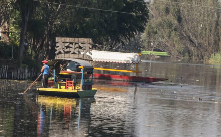 Entran en funcionamiento reglas para trajineras en Xochimilco