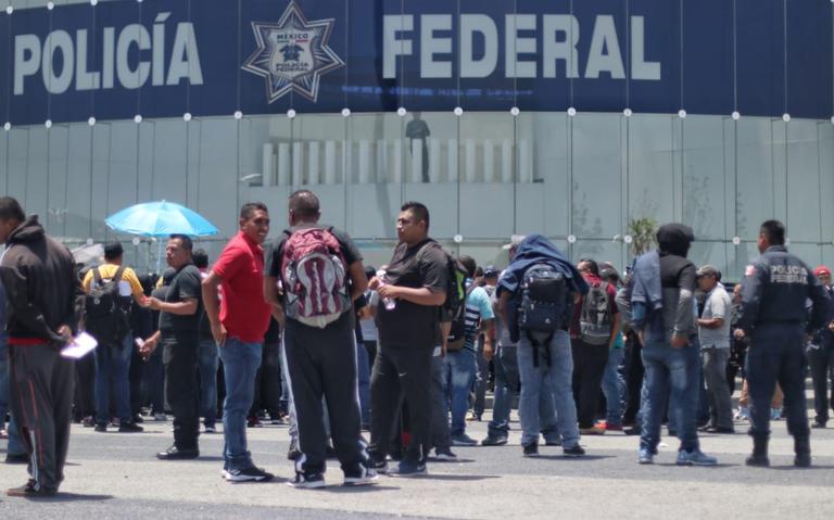 Policías Federales alistan marcha del Centro de Mando hacia el AICM
