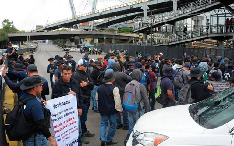 Durazo se reúne con policías federales ante bloqueo en AICM