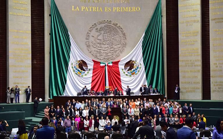 Oposición en San Lázaro toma tribuna en rechazo a leyes educativas