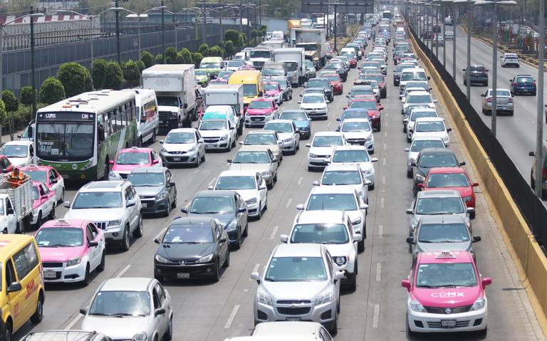 Se pierden seis días al año en el tráfico