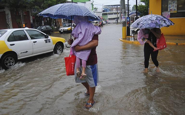 """Inundaciones, cortes de luz y caída de árboles por lluvias de Tormenta Tropical """"Narda"""""""
