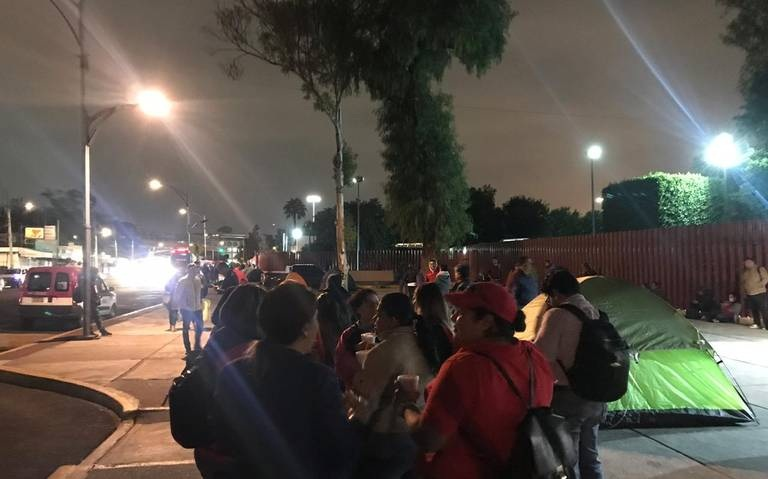 Maestros protestan contra leyes secundarias de la Reforma Educativa en San Lázaro
