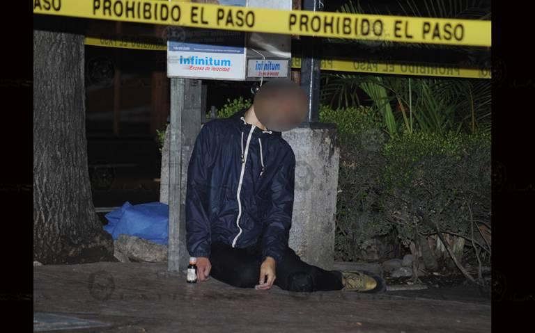 Encuentran cadáver colgado de caseta telefónica en alcaldía Cuauhtémoc