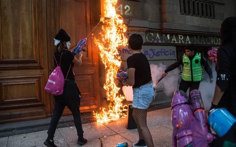 AMLO pide a ciudadanía cuidar monumentos en marcha del 2 de octubre