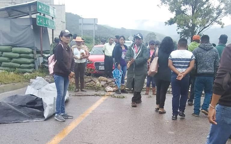 Protestan padres de los 43 en Iguala; exigen aparición de evidencias