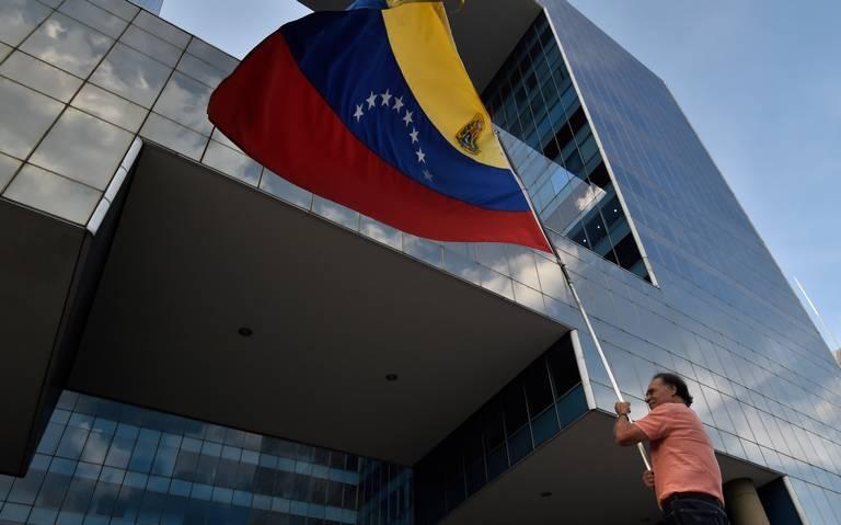 México rechaza en la OEA uso de fuerza militar contra Venezuela