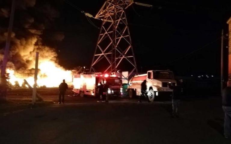 Reportan incendio en tiradero de Tultitlan