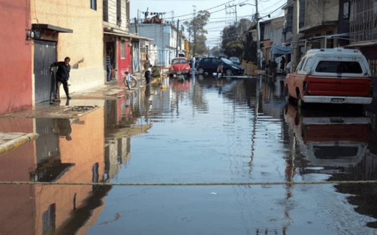 Fuertes lluvias afectan a 950 viviendas en Ecatepec