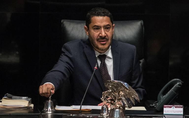 Morena busca reducir número de senadores por austeridad