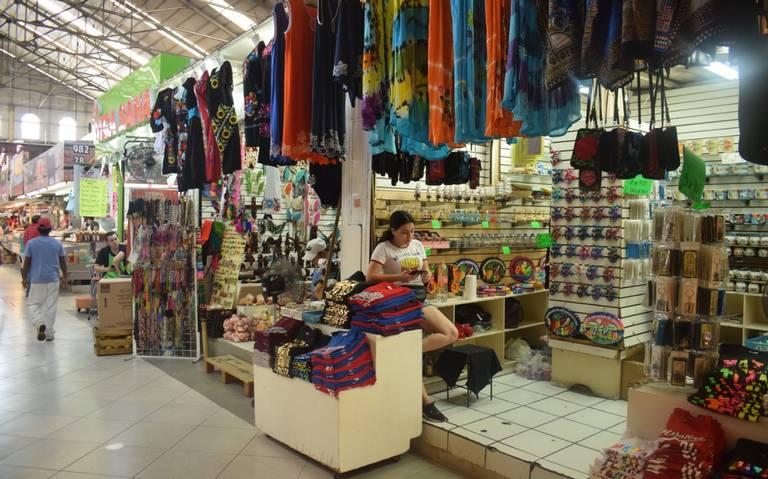 Buscan ordenar giros de negocios en el mercado Pino Suárez de Mazatlán