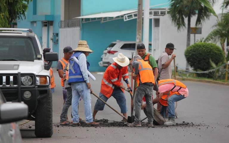 Exhorta Obras Públicas a denunciar alcantarillas en mal estado en Mazatlán
