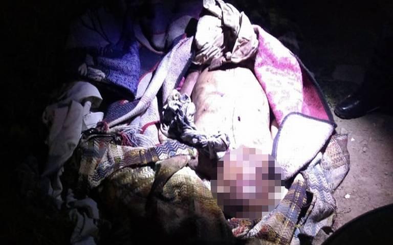 Hallan cadáver encobijado en Chalco, Estado de México